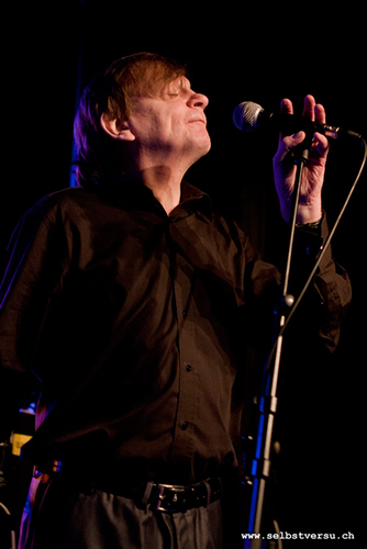 Mark E. Smith (Fall) (88KB) © bei selbstversu.ch